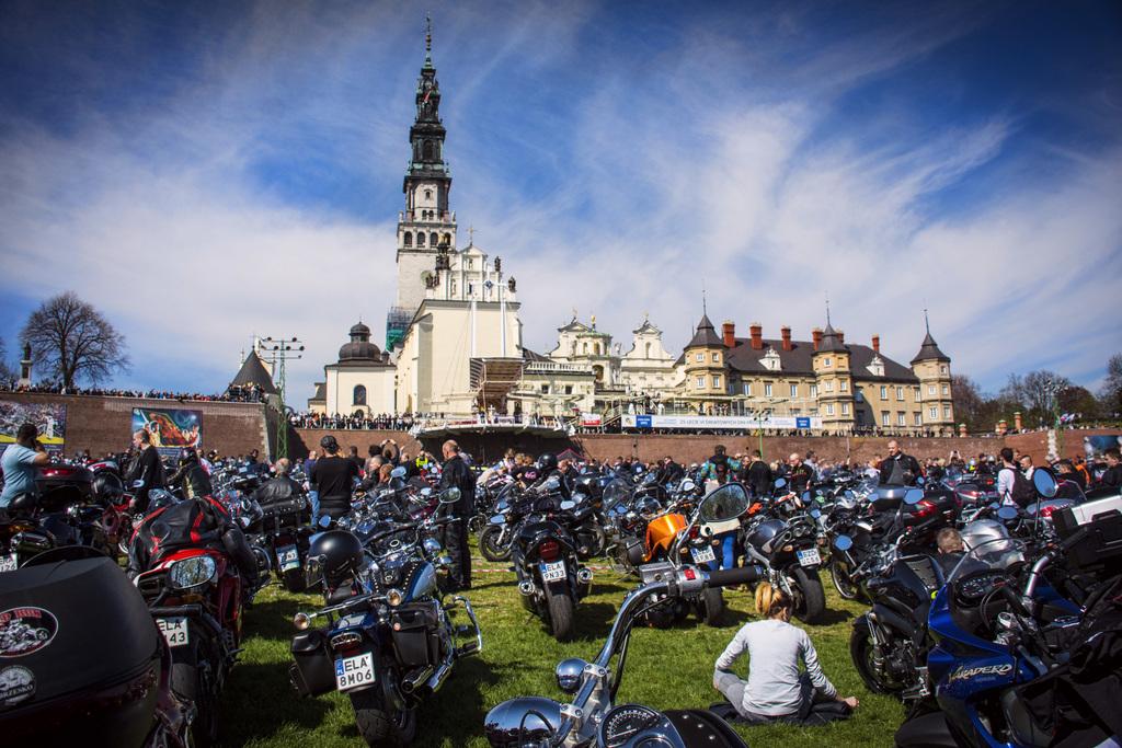 Wyróżnienie Dariusz Borycki -Rozpoczęcie sezonu motocyklowego-kat.Ludzie Zdarzenia.jpeg
