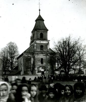 Rynek i kościół w Przystajni (1910 r.)