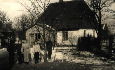"""Szkoła """"Betlejemka"""" w Przystajni (ok. 1918 r.)"""