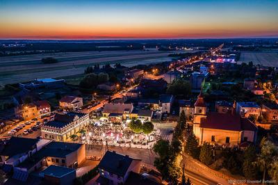 Panorama Przystajni nocą